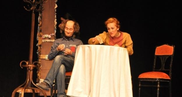 Ünlü Rus Yazar Gogol'un ''Evlenme'' isimli oyunu Bursa'da sahnelendi