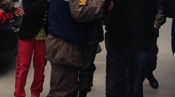 Urla'da Kiz Öğrencilere Tacize Iki Tutuklama