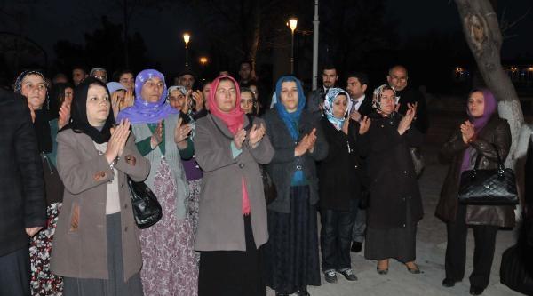 Urla'daki Hdp Binasına Saldırı, Gaziantep'te Protesto Edildi