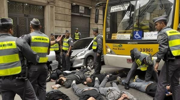 Uruguay Maçı Öncesi İngiliz Taraftarlara Saldırı