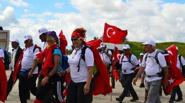 Uşaklı Dağcılar, İstiklal Yolu İçin 95 Kilometre Yürüdü