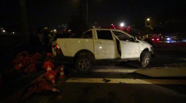 Uşak'ta Alkollü Sürücü Kaza Yapti: 2 Yarali
