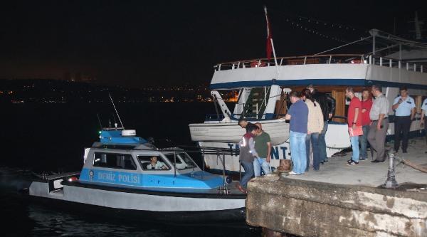 Üsküdar'da Denizden Kadın Cesedi Çikti