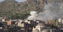 Bomba tuzaklı binalar ağır silahlarla vuruluyor