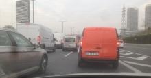 İstanbul'da özel harekat aracı yan yattı: 4 polis yaralı