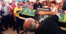 Harun Kolçak'ın cenazesinde selfie şoku