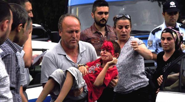 Üzerine Demir Kapı Düşen 8 Yaşındaki Arda Yaralandı