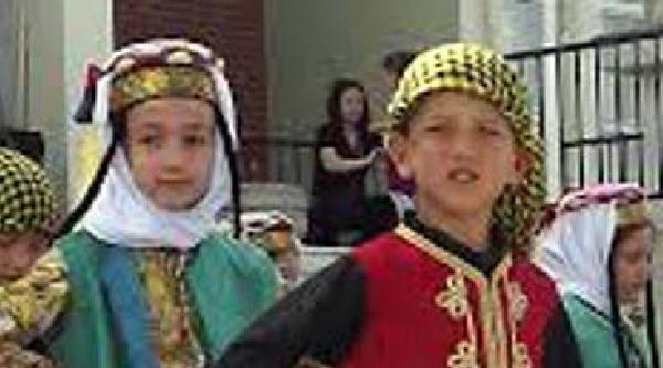 Üzerine Kale Direği Düşen 8 Yaşındaki Emirhan Öldü