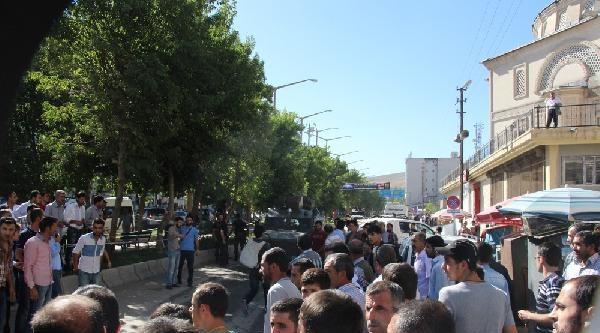 Uzman Çavuş Caddede Vuruldu,  Yüksekova Karıştı