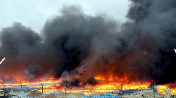 Üzüm İşletmesinin Deposundaki Yangın Korkuttu