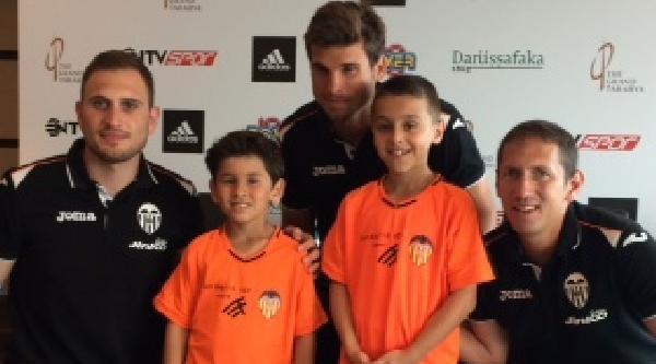 Valencia Kulübü 2 Türk Yıldızı Kampına Davet Etti