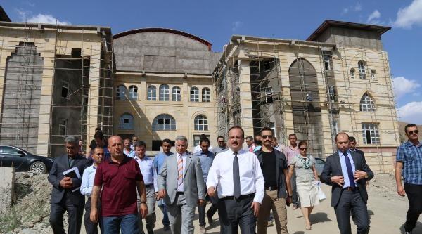 Vali Canbolat, Yeni Valilik Binası İnşaatinda İnceleme Yaptı
