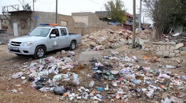 Vali, Çöpleri Görünce Belediye Temizlik Müdürünü Aradi