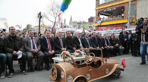 Vali Mutlu, Formulaz Tahta Araba Şenliği'nde Tahta Arabaya Bindi