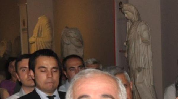 Vali: Müzedeki Sünnete Soruşturma Sürüyor