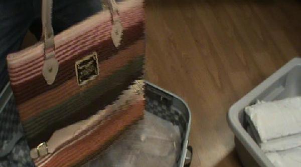 Valizdeki Çantalardan Kokain Çikti
