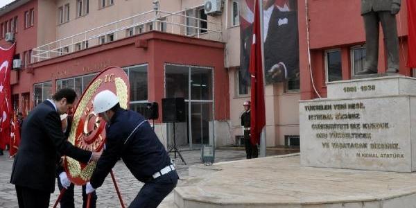 Van, Bitlis Ve Hakkari'de Ulu Önder Anildi