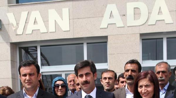 Van Büyükşehir Belediye Başkanı Kaya Mazbatasını Aldı