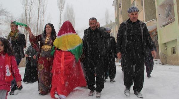 Van, Hakkari Ve Bitlis Kara Gömüldü (3)
