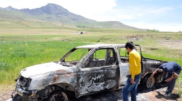 Van'da Bir Kamyonet Ateşe Verildi
