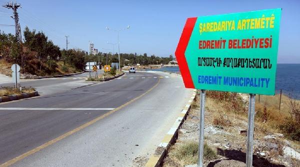 Van'da Edremit Belediye Meclisi İlçenin İsmini Tabelaya Ermenice Yazdırdı
