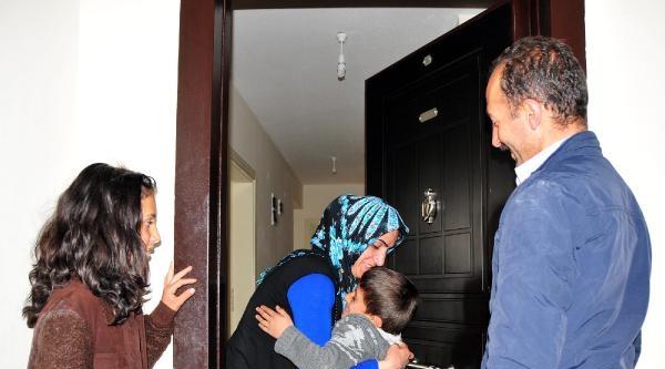 Van'da Kaybolan 9 Yaşındaki Emre 16 Saat Sonra Bulundu (2)