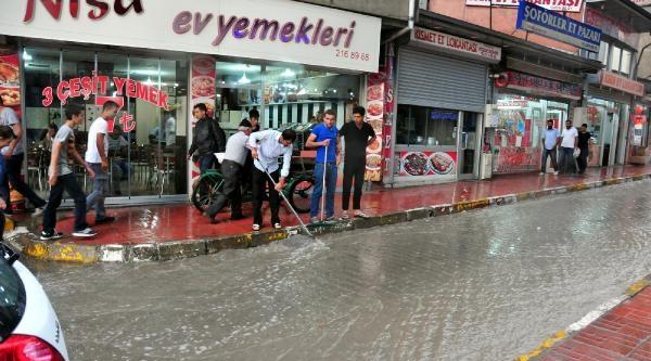 Van'da Sağanak Yağmur