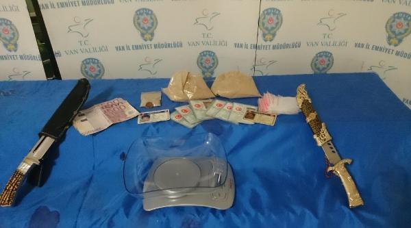 Van'da Uyuşturucu Ve Sahte Para Operasyonu