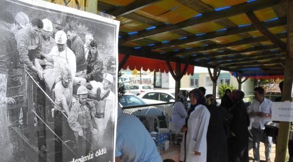 Van'daki Sağlık Çalişanlarindan Soma'ya Kermesli Destek