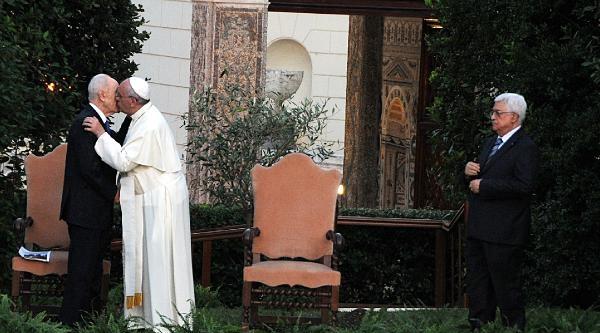 Vatikan'daki Tarihi Dua Buluşmasında Kur'an-ı Kerim Okundu
