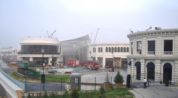 Vialand'daki Yangın Korkuttu