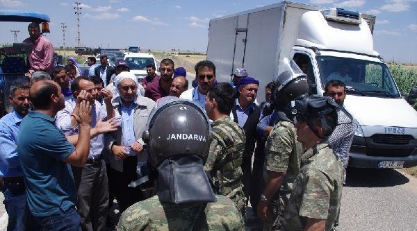 Viranşehir'de Yol Kapatan Protestoculara Müdahale: 25 Gözaltı