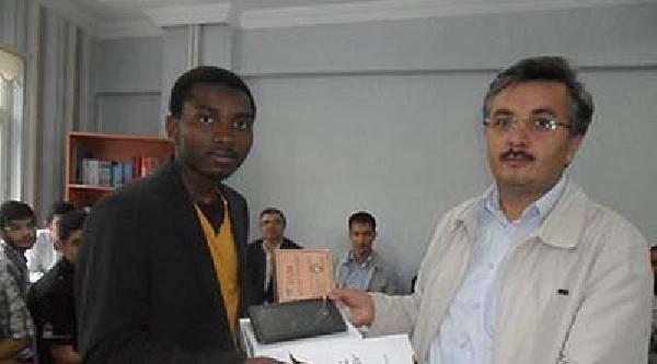 Yabancı Öğrenciler Arasında Hadis Ezberleme Yarışması