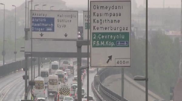 Yağmur Nedeniyle Trafik Aksadı