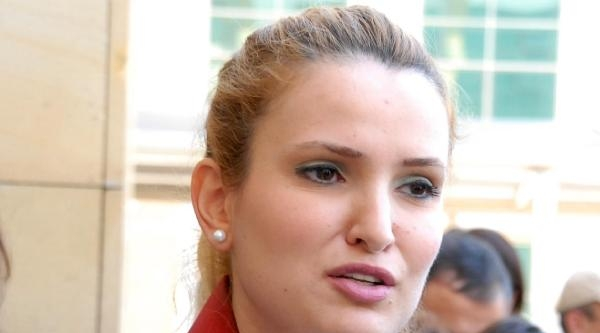 Yakılan Kadının Avukatına Saldırıya Tepki