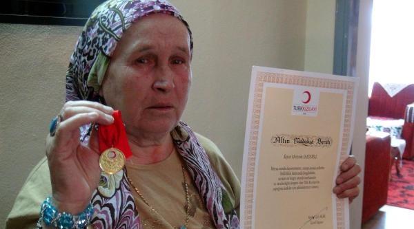 Yakınlarına Kızdı, 2.5 Milyonluk Servetini Kızılay'a Bağışladı