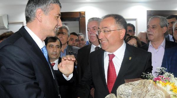 Yalova Belediye Başkanı Salman Göreve Başladı