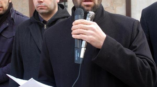 Yalova'da Abdülkadir Molla Için Giyabi Cenaze Namazi