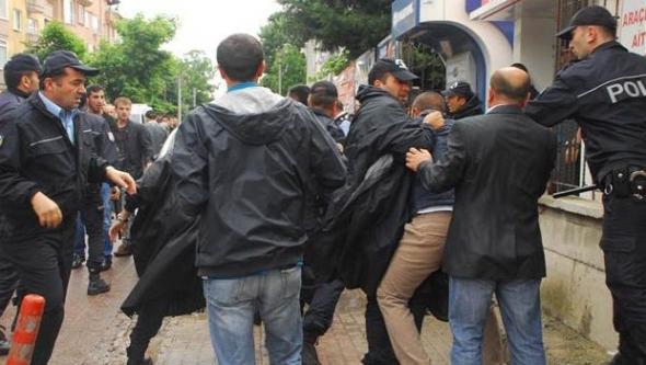 Yalova'da AK Partili ve CHP'lilerin Seçim Kavgası...