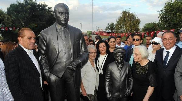 Yalova'da Atatürk Ve Sığırtmaç Mustafa Heykeli Açıldı