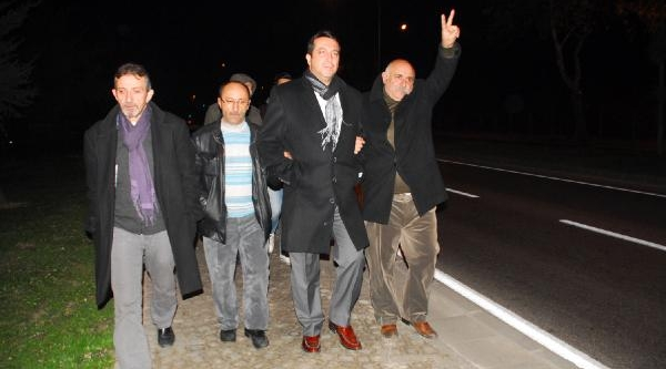 Yalova'da Chp'liler, Eğilim Yoklamasi Için Ankara'Ya Yürüyor
