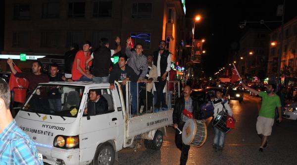 Yalova'da Chp'liler Sabaha Kadar Eğlendi