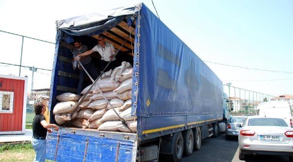Yalova'da Tır Dolusu Kaçak Çay Ele Geçirildi