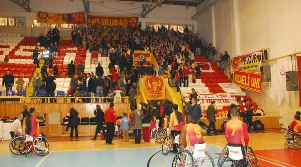 Yalova'Dan Galatasaray'A 11 Bin Tl Zarar Faturasi