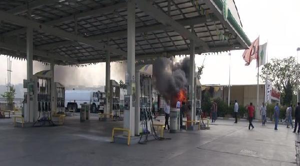Yangın Akaryakıt İstasyonuna Sıçramadan Söndürüldü