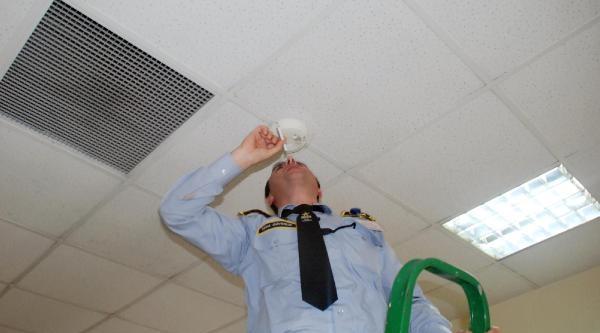 Yangın Tatbikatında Alarm Sigara İle Çaliştirildi