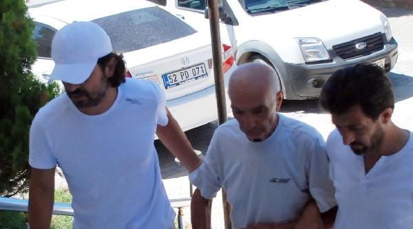 Yapımcı Eşini Bıçakla Yarayayan Koca Tutuklandı