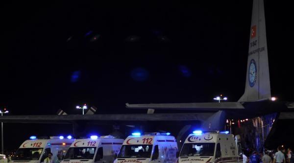 Yaralı 23 Filistinli Daha İstanbul'a Getirildi