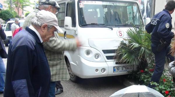 Yaralı Kadın Ambulansı Yerde Böyle Bekledi