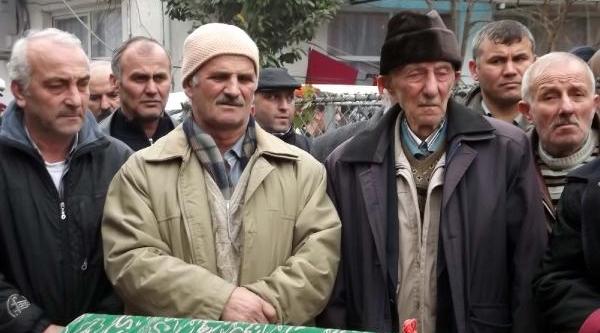Yasak Ask Intihari Kurbani Akyazi'nda Topraga Verildi